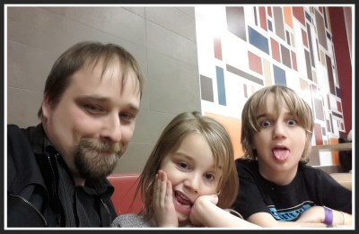 POD: Selfie with kids - Take 2