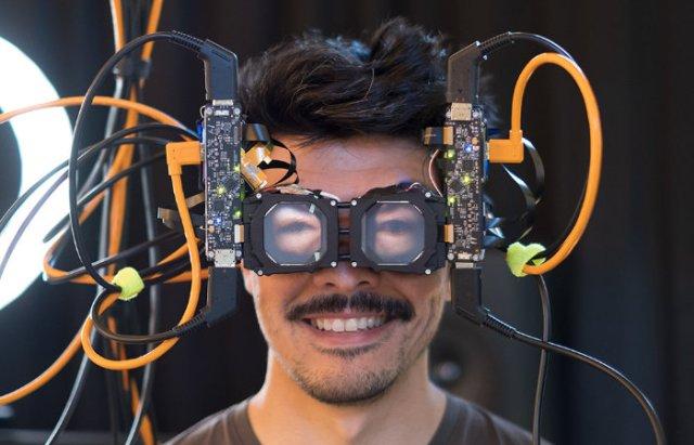 VR headset Reverse Passthrough