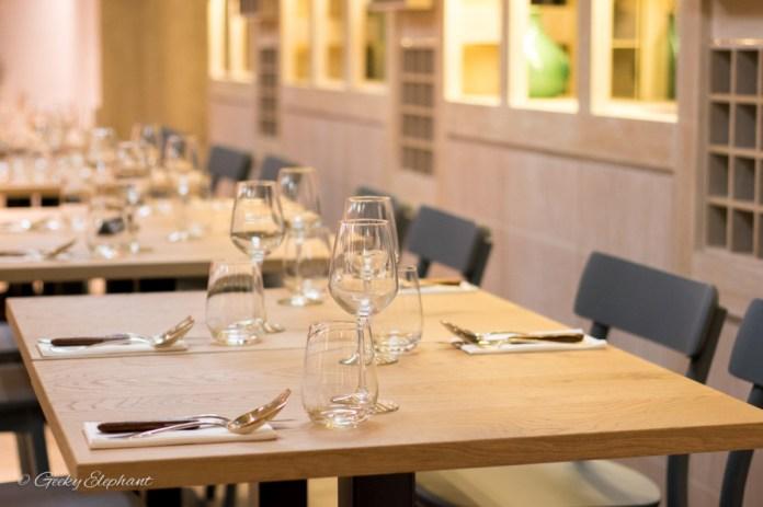 Ricciotti Pizza Pasta Grill: Interior, dining setting.