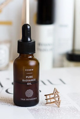 True Botanicals Renew Pure Radiance Oil review - is it worth it?