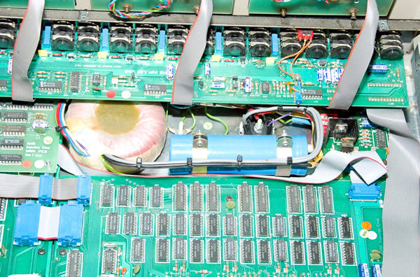 AHB Inpulse One output board ribbon cables