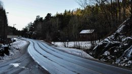 NISSEDAL: Gikk nissene her på jordet til venstre eller er stedsnavnet lånt fra Vest-Telemark? Foto: Esben Holm Eskelund