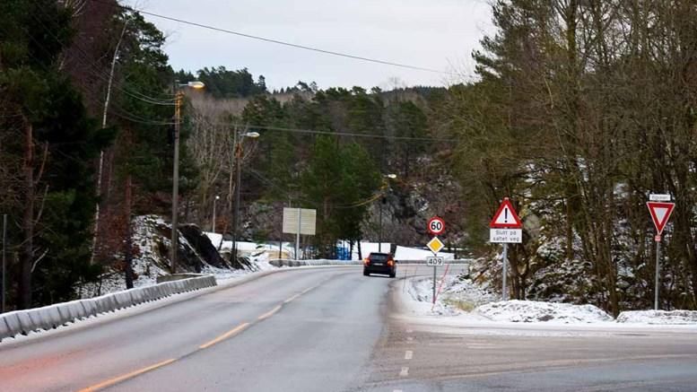 SLUTT PÅ SALT: Nye veiskilt er kommet opp på fv. 409 på Tromøy både i retning Kongshavn og Færvik. Foto: Esben Holm Eskelund