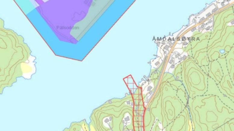 UØNSKET: Et anlegg til 20 småbåter i dette området vil ødelegge for havneaktiviteten, mener havnesjefen. Kart: fra saksfremlegget