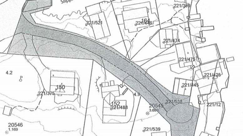 KOMMUNALT: Arendal Havn KF har fått det formelle ansvaret for båtslipp og brygge på Skarestrand. Kart: Arendal kommune