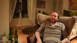 EKSKLUSIVT INTERVJU: Lokalavisen Geita fikk samtale med Thom Hell mens han ladet opp til konserten på Studio Spornes. Foto: Esben Holm Eskelund