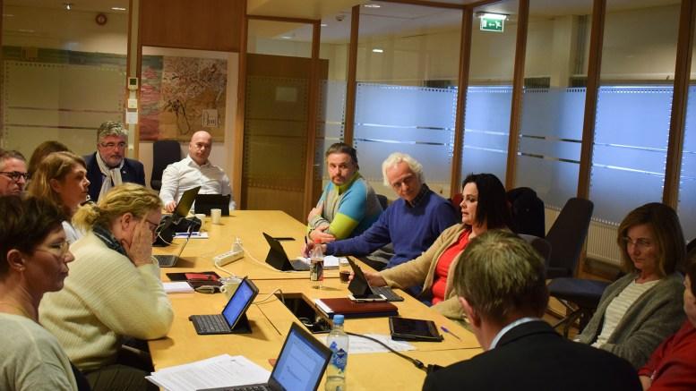 STEMMEKRETSER: Valgtsyret i Arendal var samlet sist uke for å diskutere et kraftig kutt i antallet stemmekretser i kommunen. Foto: Esben Holm Eskelund