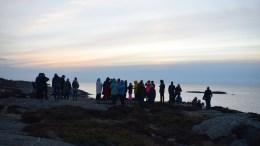 PÅSKEMORGEN: Mange møtte opp for å se soloppgang i Skagerrak 1. påskedag. Foto: Esben Holm Eskelund