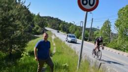 GANG- OG SYKKELVEI: Vararordfører Terje Eikin (Krf) er glad for at syklister og gående snart får en trygg gang- og sykkelvei fra Holtet til Skudereis. Foto: Esben Holm Eskelund