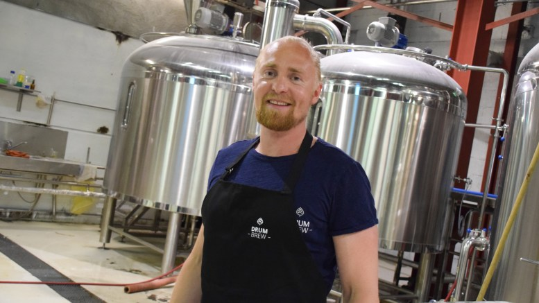 ØLGRÜNDER: Erlend Årsbog fra Tromøy satser på at verdens ganer vil åpne seg for Drum Brew, og planlegger å bygge bryggeri på Tromøy. Foto: Esben Holm Eskelund
