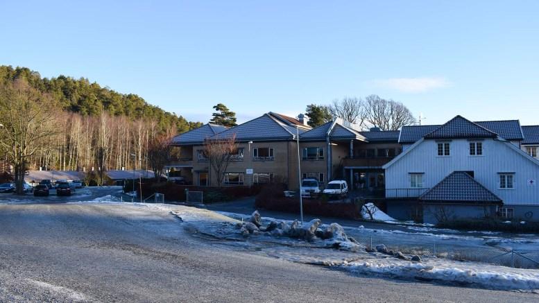 BRANNTILLØP: Nødetatene rykket ut på melding om brann i Skilsøveien på Tromøy søndag. Arkivfoto: Esben Holm Eskelund