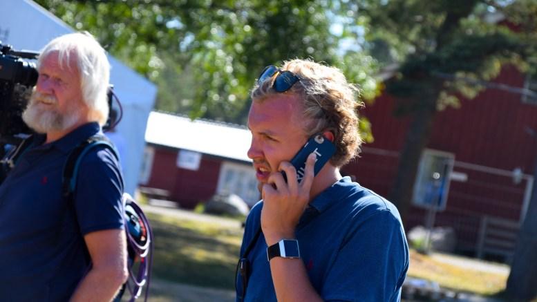 VENTET PÅ ERNA:Erik Johan Tellefsen Lindøe (H) fra Tromøy har en sentral rolle i avviklingen av årets sommerleir for Unge Høyre på Hove. Foto: Esben Holm Eskelund