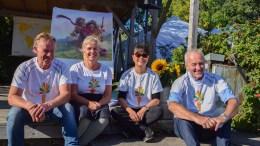 GULROTSUKSESS: Øystein Fredriksen, Unni Ramsvatn, Line Buer og Jon Ramsvatn kan se tilbake på en ny festivalsuksess i gulrotens tegn. Foto: Esben Holm Eskelund