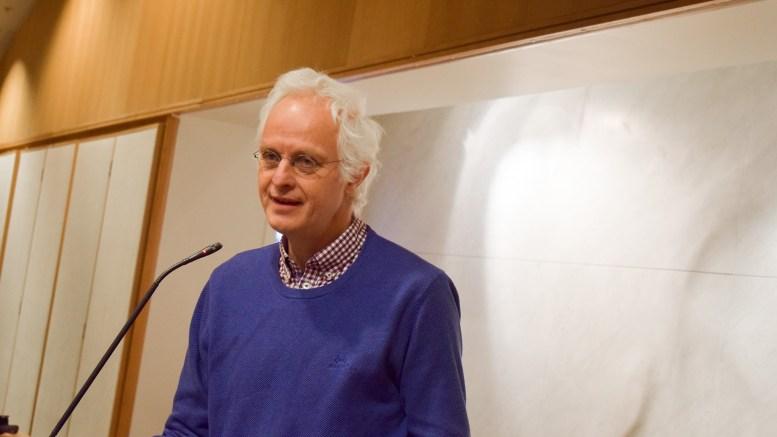 OMSORGSBEKYMRING: Rune Sævre (Sv) fra Tromøy ber ordføreren svar på om omsorgstjenesten i kommunen kan bli undersøkt grundig. Arkivfoto: Esben Holm Eskelund