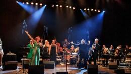 ARENDAL STORBAND: Flere fra Tromøy er på scenen når Arendal Storband inviterer til konsert i Arendal kulturhus lørdag kveld. Foto: Mona Hauglid