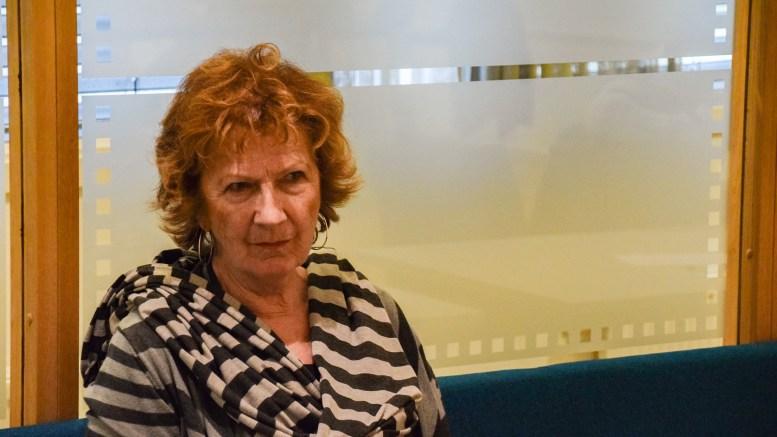 ELDRES TANNHELSE: Bystyrerepresentant Ingrid Skårmo, Frp, stiller spørsmål om eldres tannhelse til ordføreren. Arkivfoto/Esben Holm Eskelund