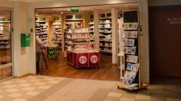VAKSINE: Nytt tilbud gjør at du kan få satt influensavaksine på apoteket på Tromøytunet. Foto: Esben Holm Eskelund