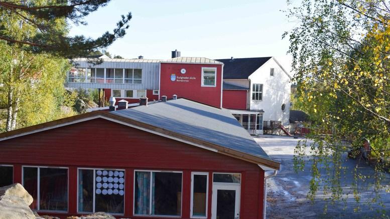 RIVNINGSOBJEKT: Mesteparten av Roligheden skole er planlagt revet når de nye står ferdig. Nå ønsker styret i Arendal eiendom KF prislappen for å jevne alle bygningene med jorden. Arkivfoto