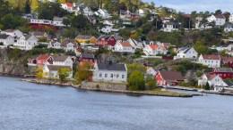 JOMFRUHOLMEN: Bygningen mange mener er et landmerke i Galtesund kan jevnes med jorden med myndighetenes velgsignelse. Arkivfoto