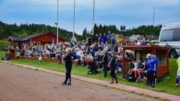 NY HJEMMEKAMP: Trauma tar ikke lett på møtet med Lillesand onsdag. Her fra Kringla stadion i Froland, der over et par hundre fotballfans møtte for å se oppgjøret mellom de to klubbene. Foto: Esben Holm Eskelund