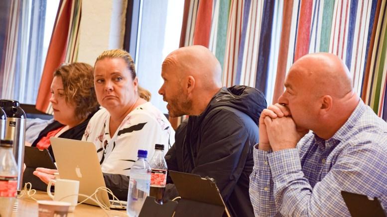 VILLE ØKE POTTEN: Frps Anders Kylland (t.h.) ville åpne pengesekken ytterligere da fylkesutvalget behandlet fylkesrådmannens forslag til fordeling av penger til friluftsformål i 2019. Foto: Esben Holm Eskelund