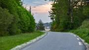 KJØRVIGA: Bildet viser veien som går gjennom stedet, helt øst på Tromøy. Foto: Esben Holm Eskelund