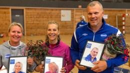 HEDRET FOR INNSATS: Astrid Moen (t.v.), Veronika Skjævestad og Harald Johnsen ble hedret for innsatsen i Trauma. Foto: Trauma