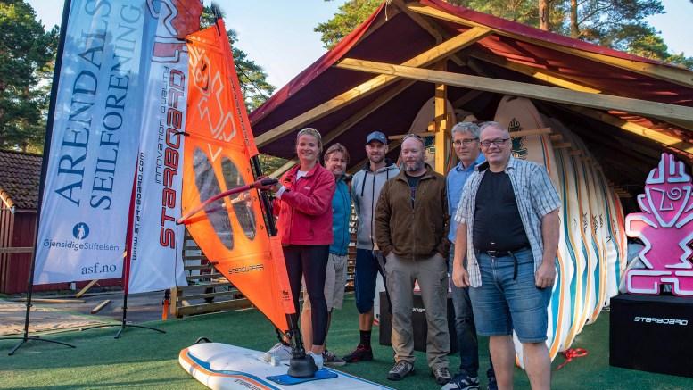 SURFESENTER: Canvas Hove og Arendals seilforening innleder samarbeid om å opprette landets første seilbrettsenter. Pressefoto