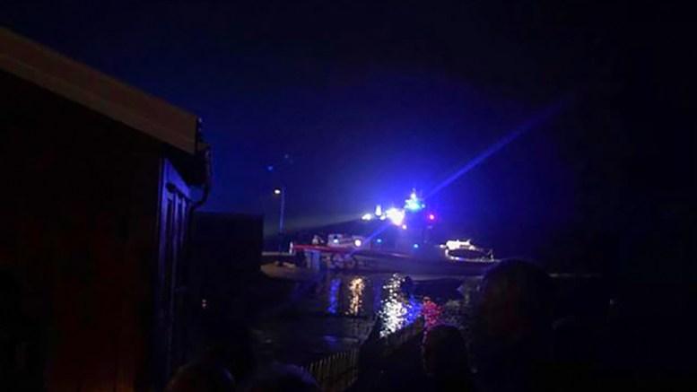 PELLEBRYGGA: Redningsskøyta RS Inge Steensland fraktet de skadede i land på Revesand etter båtkrasjet på Håholmen i Galtesund. Foto: Christine Mørland Karlsen