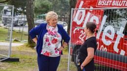 PROTESTVALGET: Statsminister Erna Solberg besøkte Unge Høyres sommerleir på Hove søndag. Det kommende lokalvalget kan bli preget av lokale protestlister og -partier, også i Arendal. Foto: Esben Holm Eskelund