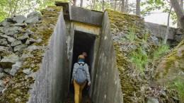 KRIGSMINNER: En helt spesiell tysk bunkers, som ligger like ved denne passasjen i Hove-området, ønsker Arendal krigshistoriske forening en egen verneplan for. Arkivfoto