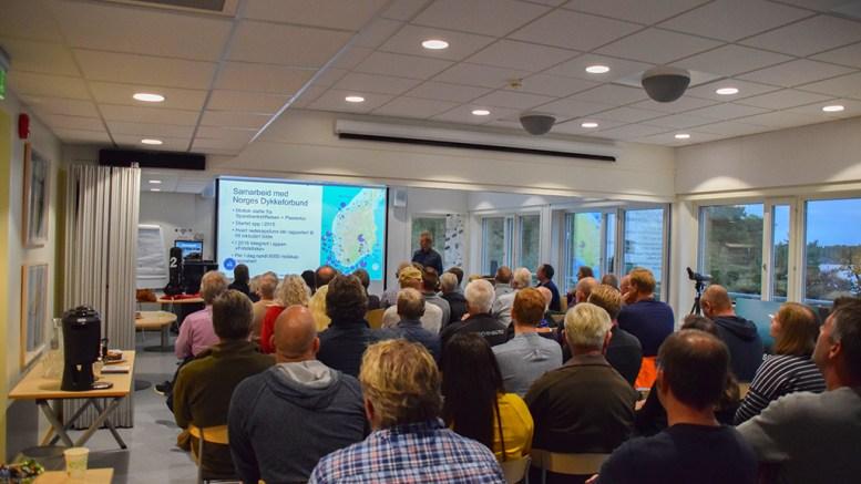SPØKELSESFISKET: Alf Ring Kleiven i Havforskningsinstiuttet håper hummerfiskerne er med allerede fra i år, med å rapportere inn tapte redskaper. Foto: Esben Holm Eskelund