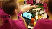 LEGO-LIGAEN: Elevene fra tredjeklasse på Roligheden skole fikk prøve seg i Lego-ligaen. Foto: Privat