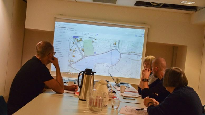 KJ(TJ)ENNADEBATT: Navnekomitéen i bystyret diskuterte veinavnet Tjennaveien før jul. Foto: Esben Holm Eskelund