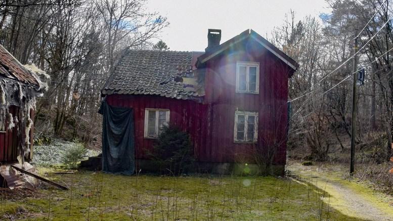 FÅR RIVE: Arendal kommune tillater riving av våningshuset på Eplestø. Arkivfoto