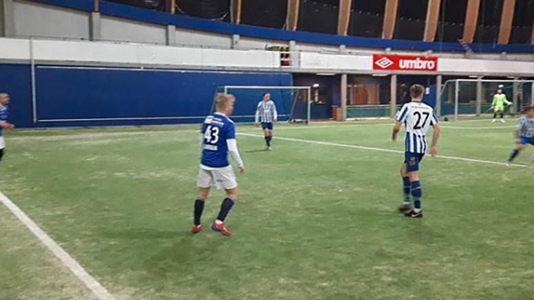 TRENINGSKAMP: Trauma spilte kamp mot tredjedivisjonslaget Donn i Sørlandshallen i helgen. Foto: Tor Ole Dalen