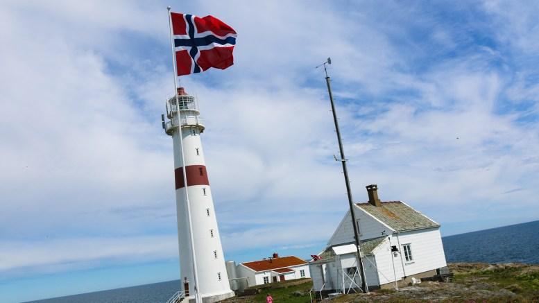 TORUNGEN KUTTES: Arendal kommune fant ikke penger til foreningen som jobber med å ta vare på Torungen fyrstasjon. Arkivfoto
