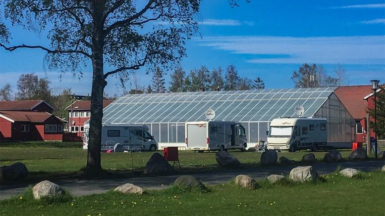 BOBILCAMPING: I Hove leirsenter er det etablert en campingløsning for turister og besøkende til Tromøy, som kommer i bobil. Foto: Esben Holm Eskelund