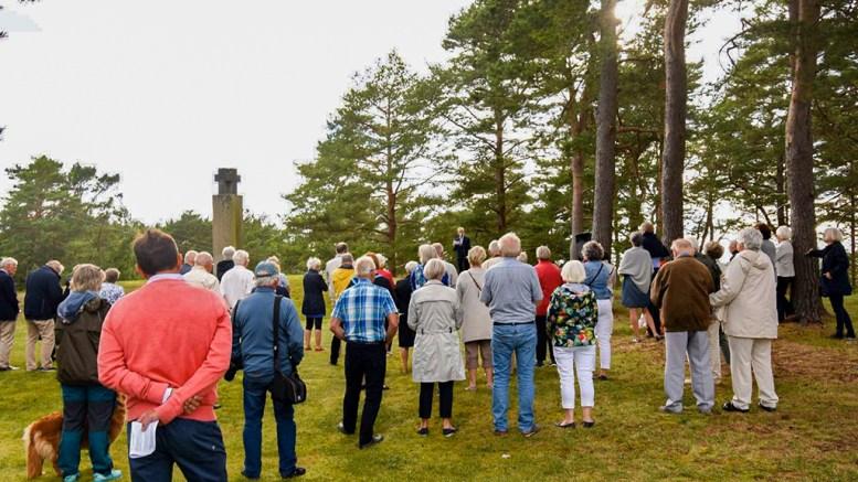 MARKERTE OLSOK: Mange hadde tatt turen til gudstjeneste og minnemarkering på Olav den helliges dødsdag 29. juli. Foto: Andreas Werner Larsen