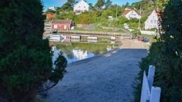 STRANDSONEN: Diskusjonen om stranda på Revesand er bare en av diskusjonene som pågår om tilgangen til strandsonen på Tromøy. Foto: Esben Holm Eskelund