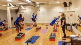 TRAUMA-TRENING: Traumas A-lagsspillere har tatt i bruk treningssenter som alternativ aktivitet i oppladning til sesongen. Foto: Tor Ole Dalen