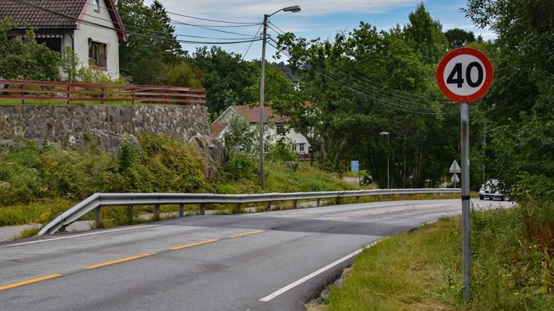INNBRINGENDE: En rekke bilister ble tatt for å kjøre for fort i Skilsøveien mandag. Arkivfoto