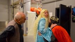 SPAMALOT: Nils Ingebretsen (t.v.), Lene Jørgensen og Harald Dose lover komikk i store mengder i Spamalot, som spilles i Arendal kulturhus denne uken. Nå er det også åpent for å øke billettsalget til forestillingene, slik at det er mulig for flere publikummere å få plass. Foto: Esben Holm Eskelund