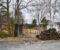 VÅGSNES UTVIDELSE: Huset på bildet og flere hytter vil forsvinne om politikerne går inn for Vågsnes del II. Foto: Esben Holm Eskelund