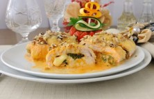 Chicken breast stuffed with cheese and spinach under the walnut-cream sauce