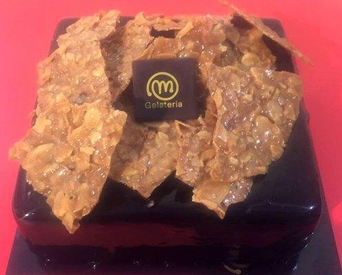 Gelateria Millennium - Torta semifreddo cioccolato e mandorlato