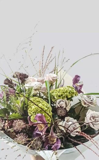 Gėlių puokštė Paskendusi rūke - Gėlės studija - salonas