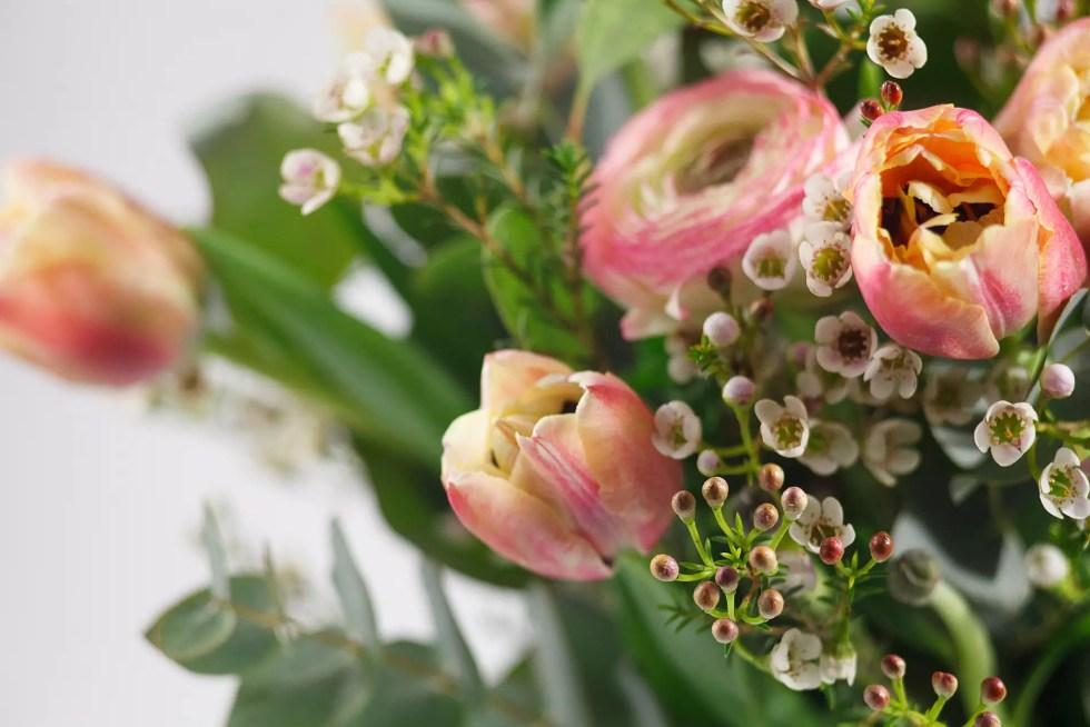 Gėlių puokštė Pastelinis pavasaris - detalės