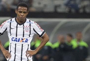 Felipe se defende de acusação de racismo feita por Elias, do Corinthians
