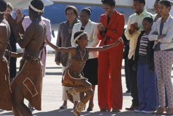 Michelle Obama chega a Botswana em última etapa de giro pela África